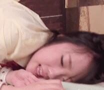 小学生萝莉翘起嫩嫩白虎 少女被xxoo內射做爱动态图