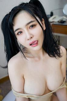 豪乳大美女刘钰儿黑色开档连裤袜图片